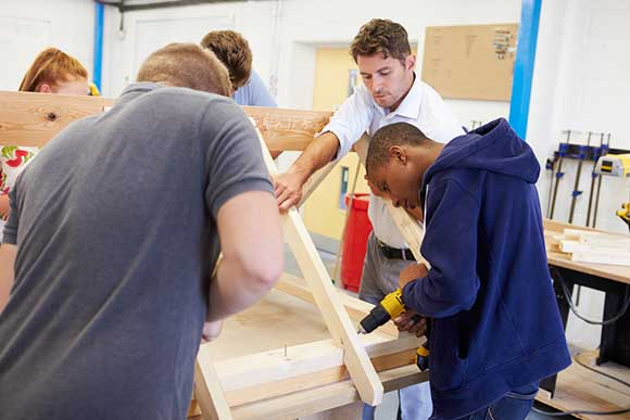 Asylum seekers given vocational training