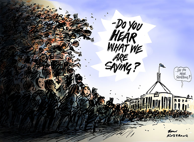 "crowd of people in a wave outside parliament house, crowd shouting ""Do you head what we are saying"". Voice from Parliament House ""can you hear something?"""